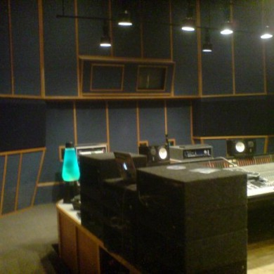July 24, 2009 - Visiting one of the CR in Ardent Studios, Memphis.