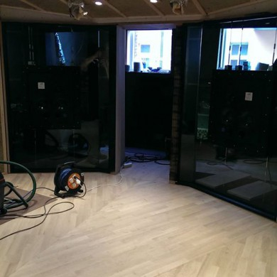 Mar 30, 2015 - Glass front wall install @ Zino Mikorey Mixing & Mastering, with ATC 110 A SL Custom. DEMATEC at work, Thomas also came to tension the Decoupling Nacelle System. — in Berlin, Germany.