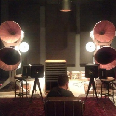 Nov 12, 2012 - Having a good time with Josh Bonati listening to some audiophile speakers @ Oswaldwill Audio in NY http://www.oswaldsmillaudio.com/ We seldom have the time to do things like this - wine, speakers and good records. Should find the time to do that more often... — in Brooklyn, New York.