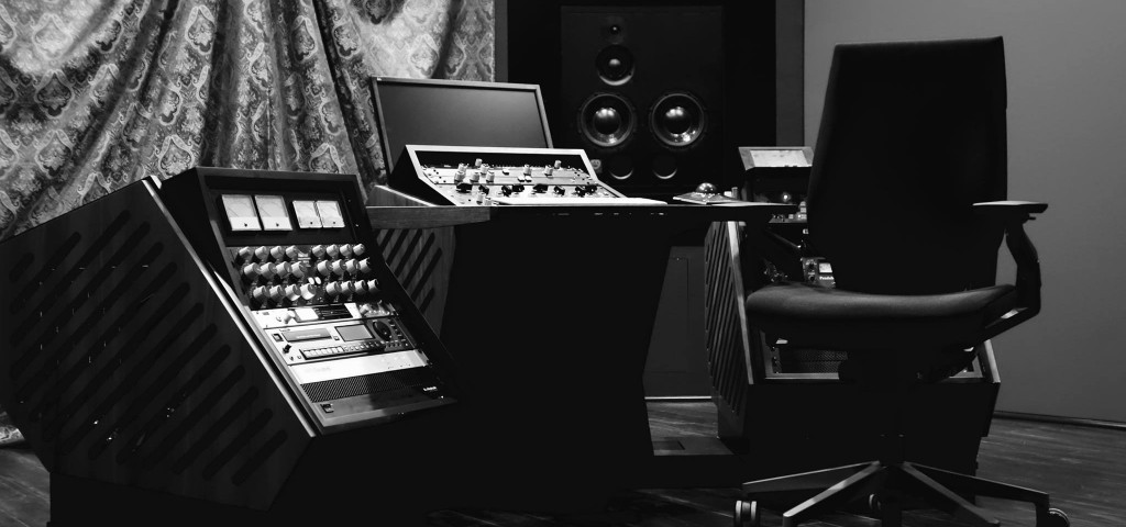 Dave Collins Mastering, Los Angeles.